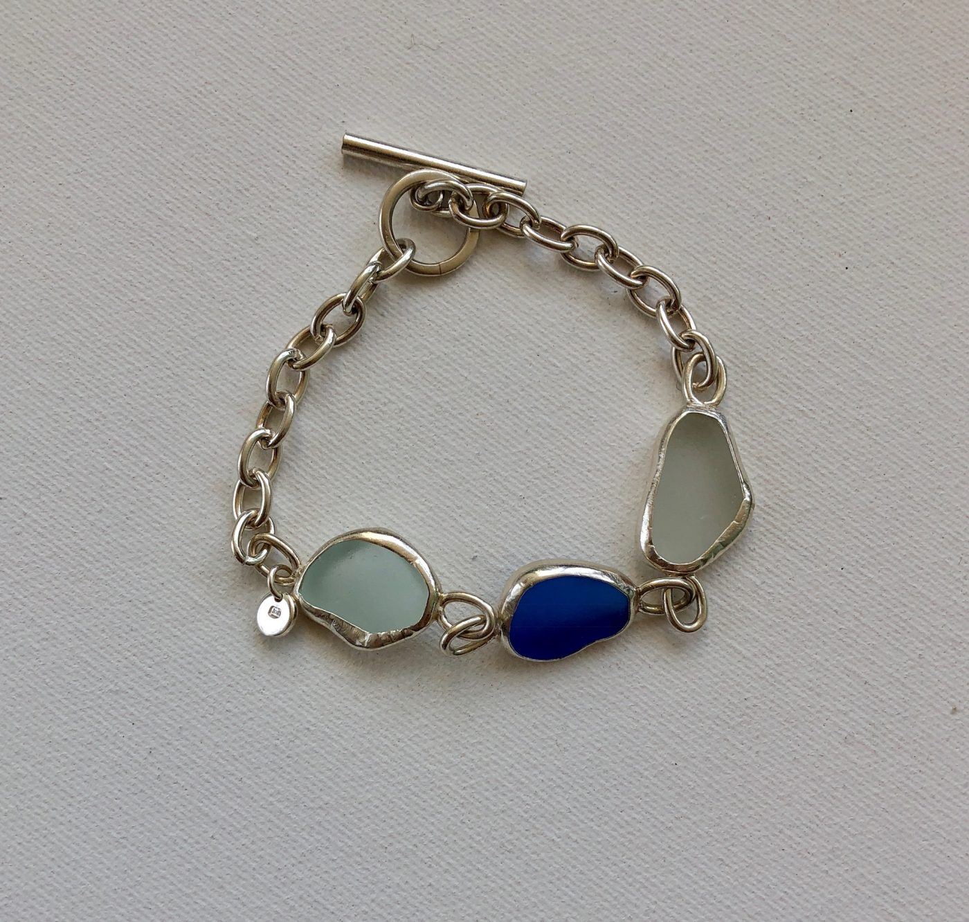 c2037db79e008 White and Blue Sea Glass Bracelet